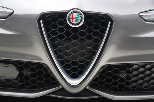 Used 2017 Alfa Romeo Giulia Ti Sport for sale $26,900 at Alfa Romeo of Greenwich in Greenwich CT 06830 14