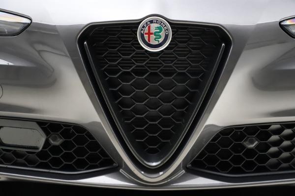 New 2021 Alfa Romeo Giulia Q4 for sale $48,035 at Alfa Romeo of Greenwich in Greenwich CT 06830 13