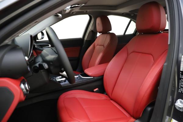 New 2021 Alfa Romeo Giulia Q4 for sale $48,035 at Alfa Romeo of Greenwich in Greenwich CT 06830 15