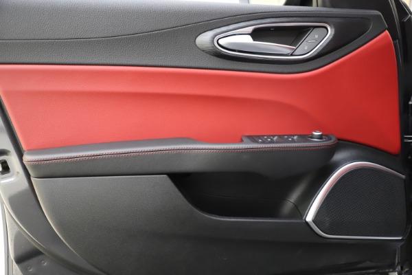 New 2021 Alfa Romeo Giulia Q4 for sale $48,035 at Alfa Romeo of Greenwich in Greenwich CT 06830 18