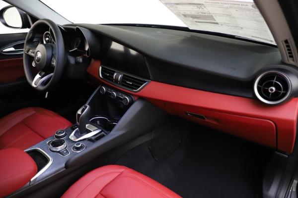 New 2021 Alfa Romeo Giulia Q4 for sale $48,035 at Alfa Romeo of Greenwich in Greenwich CT 06830 24