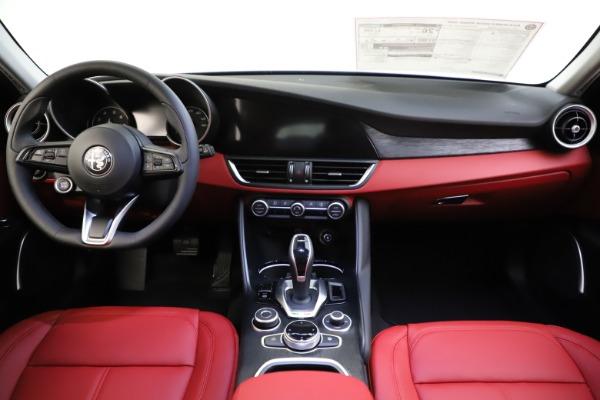 New 2021 Alfa Romeo Giulia Q4 for sale $48,035 at Alfa Romeo of Greenwich in Greenwich CT 06830 28