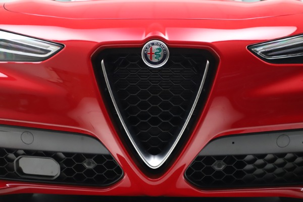 New 2021 Alfa Romeo Stelvio Q4 for sale $47,735 at Alfa Romeo of Greenwich in Greenwich CT 06830 27