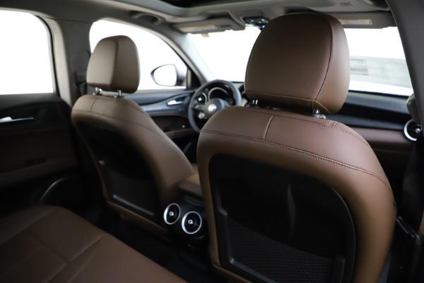New 2021 Alfa Romeo Stelvio Q4 for sale $48,835 at Alfa Romeo of Greenwich in Greenwich CT 06830 26