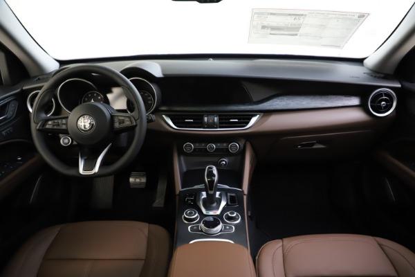 New 2021 Alfa Romeo Stelvio Q4 for sale $48,835 at Alfa Romeo of Greenwich in Greenwich CT 06830 27