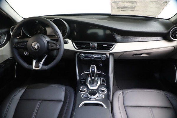 New 2021 Alfa Romeo Giulia Q4 for sale Call for price at Alfa Romeo of Greenwich in Greenwich CT 06830 15