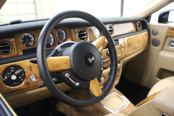 Used 2006 Rolls-Royce Phantom for sale $109,900 at Alfa Romeo of Greenwich in Greenwich CT 06830 20