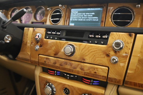 Used 2006 Rolls-Royce Phantom for sale $109,900 at Alfa Romeo of Greenwich in Greenwich CT 06830 25