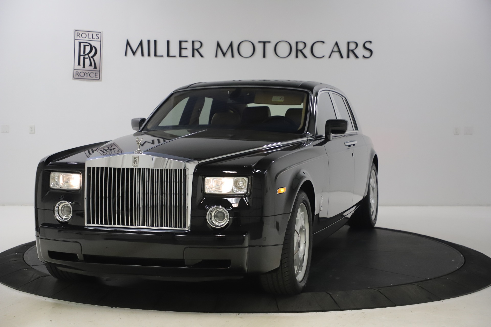 Used 2006 Rolls-Royce Phantom for sale $109,900 at Alfa Romeo of Greenwich in Greenwich CT 06830 1