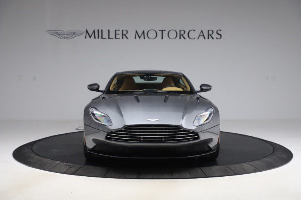 Used 2017 Aston Martin DB11 V12 Coupe for sale $149,900 at Alfa Romeo of Greenwich in Greenwich CT 06830 11