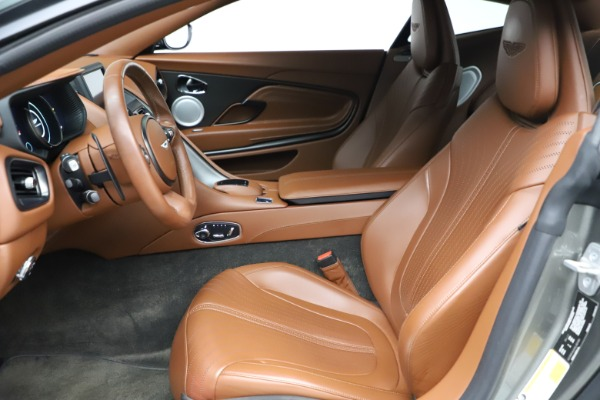 Used 2017 Aston Martin DB11 V12 Coupe for sale $134,900 at Alfa Romeo of Greenwich in Greenwich CT 06830 14