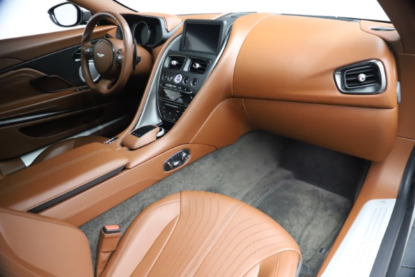 Used 2017 Aston Martin DB11 V12 Coupe for sale $134,900 at Alfa Romeo of Greenwich in Greenwich CT 06830 19