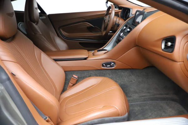 Used 2017 Aston Martin DB11 V12 Coupe for sale $134,900 at Alfa Romeo of Greenwich in Greenwich CT 06830 20