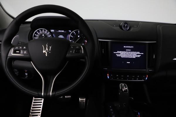 New 2021 Maserati Levante Q4 GranSport for sale $93,585 at Alfa Romeo of Greenwich in Greenwich CT 06830 16