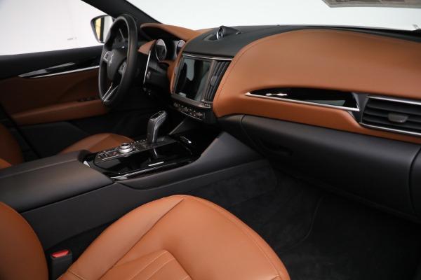 New 2021 Maserati Levante Q4 for sale $85,625 at Alfa Romeo of Greenwich in Greenwich CT 06830 22