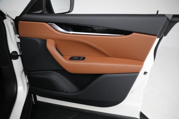 New 2021 Maserati Levante Q4 for sale $85,625 at Alfa Romeo of Greenwich in Greenwich CT 06830 24