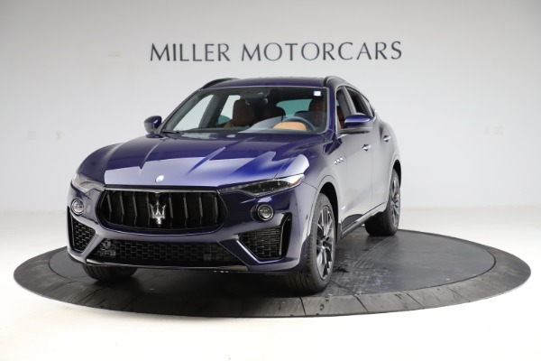 New 2021 Maserati Levante S Q4 GranSport for sale $100,185 at Alfa Romeo of Greenwich in Greenwich CT 06830 1
