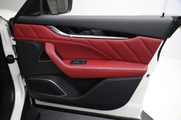 New 2021 Maserati Levante Q4 for sale $76,769 at Alfa Romeo of Greenwich in Greenwich CT 06830 21