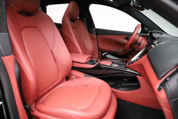 New 2021 Aston Martin DBX for sale $200,986 at Alfa Romeo of Greenwich in Greenwich CT 06830 21