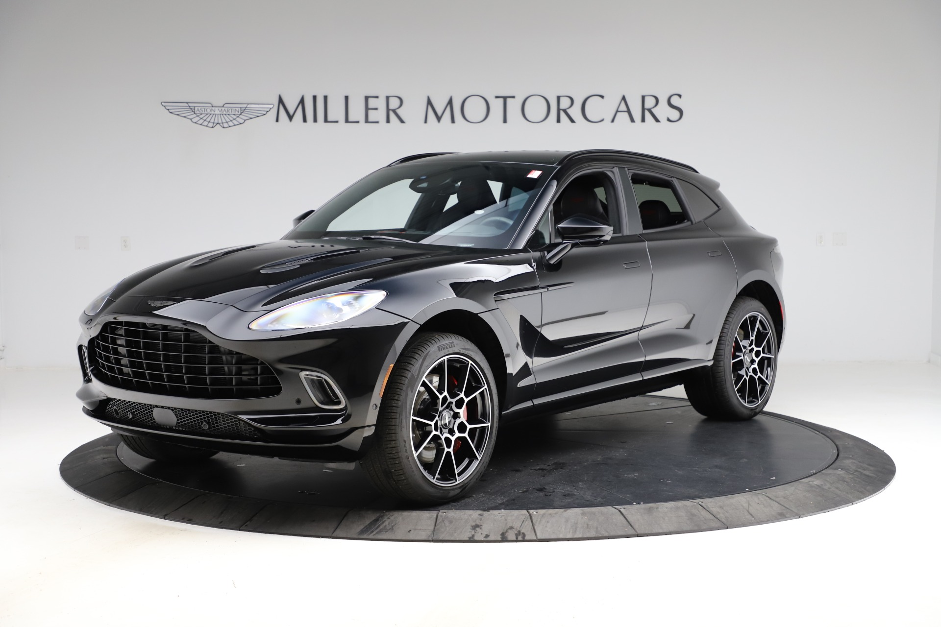 New 2021 Aston Martin DBX for sale $212,686 at Alfa Romeo of Greenwich in Greenwich CT 06830 1