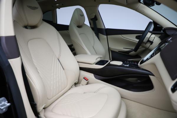 New 2021 Aston Martin DBX for sale $215,386 at Alfa Romeo of Greenwich in Greenwich CT 06830 24