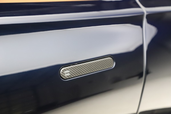 New 2021 Aston Martin DBX SUV for sale $264,386 at Alfa Romeo of Greenwich in Greenwich CT 06830 24