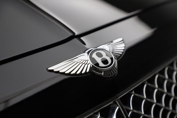 Used 2018 Bentley Bentayga Onyx Edition for sale $144,900 at Alfa Romeo of Greenwich in Greenwich CT 06830 10