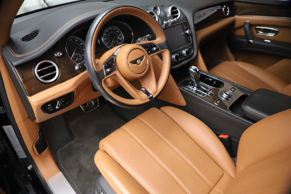Used 2018 Bentley Bentayga Onyx Edition for sale $144,900 at Alfa Romeo of Greenwich in Greenwich CT 06830 12