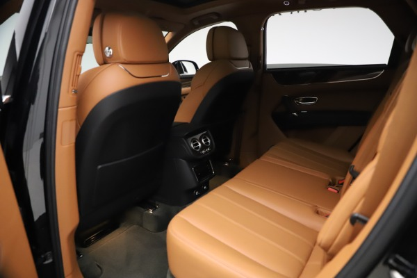 Used 2018 Bentley Bentayga Onyx Edition for sale $147,900 at Alfa Romeo of Greenwich in Greenwich CT 06830 16