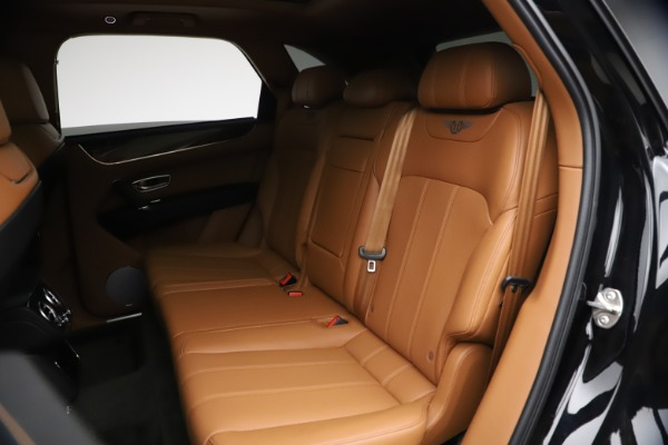 Used 2018 Bentley Bentayga Onyx Edition for sale $144,900 at Alfa Romeo of Greenwich in Greenwich CT 06830 18