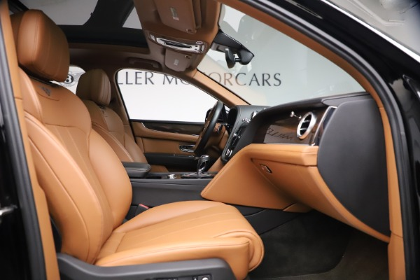 Used 2018 Bentley Bentayga Onyx Edition for sale $147,900 at Alfa Romeo of Greenwich in Greenwich CT 06830 21