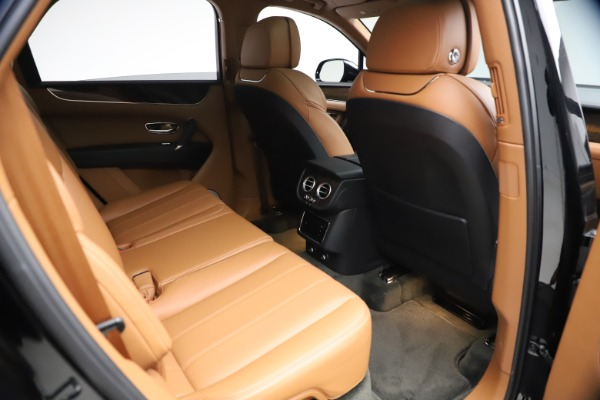 Used 2018 Bentley Bentayga Onyx Edition for sale $147,900 at Alfa Romeo of Greenwich in Greenwich CT 06830 23