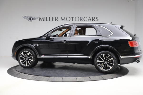 Used 2018 Bentley Bentayga Onyx Edition for sale $144,900 at Alfa Romeo of Greenwich in Greenwich CT 06830 4