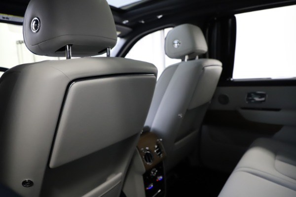 Used 2019 Rolls-Royce Cullinan for sale $349,900 at Alfa Romeo of Greenwich in Greenwich CT 06830 19