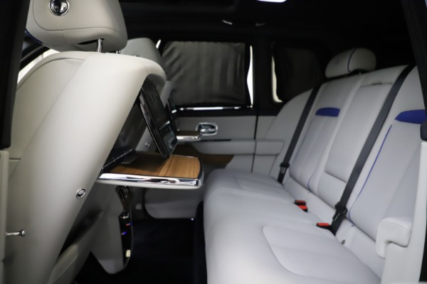 Used 2019 Rolls-Royce Cullinan for sale $349,900 at Alfa Romeo of Greenwich in Greenwich CT 06830 27