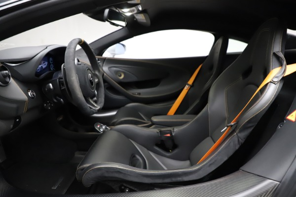 Used 2019 McLaren 600LT for sale $223,900 at Alfa Romeo of Greenwich in Greenwich CT 06830 14