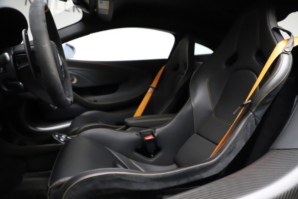 Used 2019 McLaren 600LT for sale $223,900 at Alfa Romeo of Greenwich in Greenwich CT 06830 15