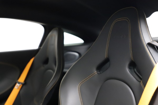 Used 2019 McLaren 600LT for sale $223,900 at Alfa Romeo of Greenwich in Greenwich CT 06830 18