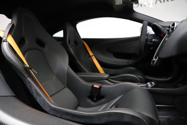 Used 2019 McLaren 600LT for sale $223,900 at Alfa Romeo of Greenwich in Greenwich CT 06830 21