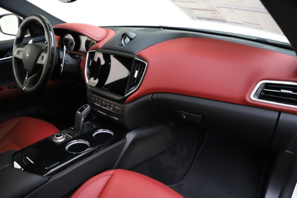 New 2021 Maserati Ghibli S Q4 GranLusso for sale $95,835 at Alfa Romeo of Greenwich in Greenwich CT 06830 24