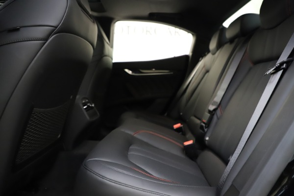 New 2021 Maserati Ghibli S Q4 GranSport for sale $98,035 at Alfa Romeo of Greenwich in Greenwich CT 06830 21