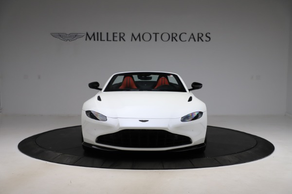 New 2021 Aston Martin Vantage Roadster Convertible for sale $189,186 at Alfa Romeo of Greenwich in Greenwich CT 06830 11