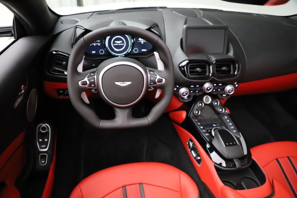 New 2021 Aston Martin Vantage Roadster Convertible for sale $189,186 at Alfa Romeo of Greenwich in Greenwich CT 06830 17