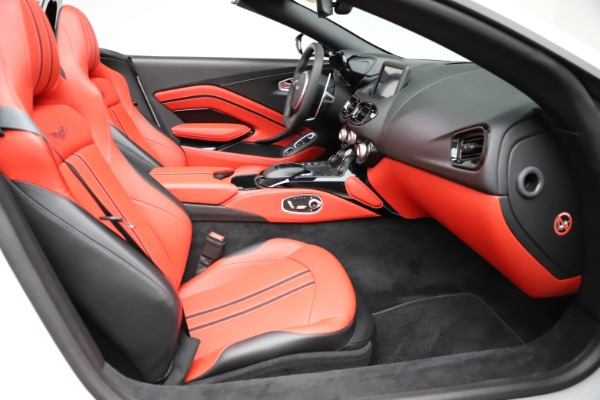 New 2021 Aston Martin Vantage Roadster Convertible for sale $189,186 at Alfa Romeo of Greenwich in Greenwich CT 06830 19