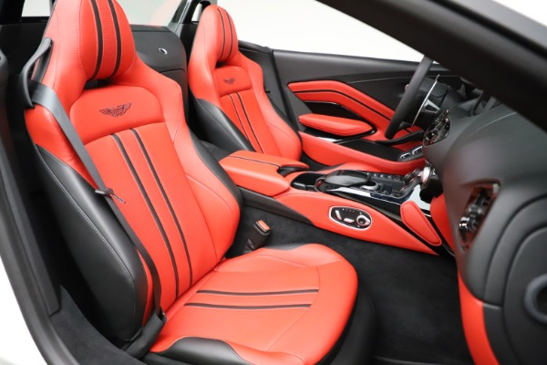 New 2021 Aston Martin Vantage Roadster Convertible for sale $189,186 at Alfa Romeo of Greenwich in Greenwich CT 06830 20