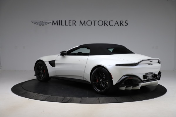 New 2021 Aston Martin Vantage Roadster Convertible for sale $189,186 at Alfa Romeo of Greenwich in Greenwich CT 06830 23