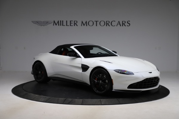 New 2021 Aston Martin Vantage Roadster Convertible for sale $189,186 at Alfa Romeo of Greenwich in Greenwich CT 06830 26