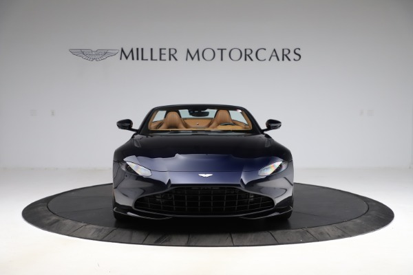 New 2021 Aston Martin Vantage Roadster Convertible for sale $205,686 at Alfa Romeo of Greenwich in Greenwich CT 06830 11