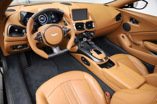 New 2021 Aston Martin Vantage Roadster Convertible for sale $205,686 at Alfa Romeo of Greenwich in Greenwich CT 06830 13