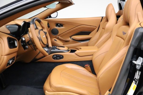 New 2021 Aston Martin Vantage Roadster Convertible for sale $205,686 at Alfa Romeo of Greenwich in Greenwich CT 06830 14